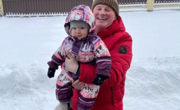 Труд и снег, радость нам с дочей принесут! 🌞